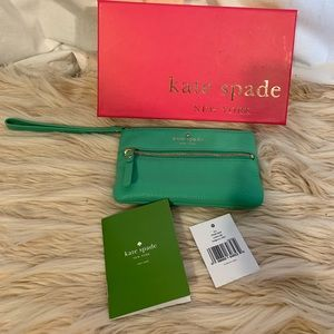 Kate Spade Cobble Hill Bee wallet. NWT
